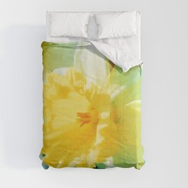 Closeup Narcissus 3 Comforters