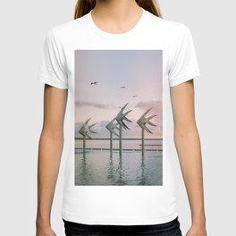 Cairns Woven Fish Sculpture (Group) | Cairns Australia Ocean Sunrise Travel Photography T-shirt