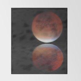 Super blood moon Throw Blanket
