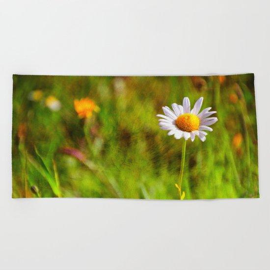 White Daisy Beach Towel