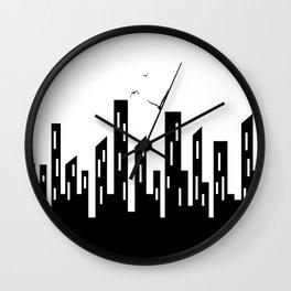 Cidade em Branco e Preto Wall Clock