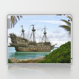 Pirate ship in the Caribbean Laptop & iPad Skin