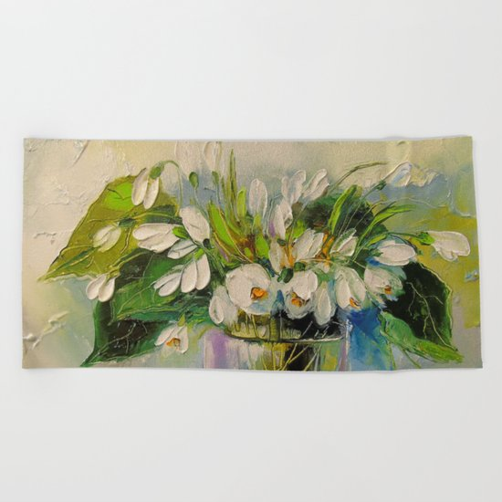 Bouquet of snowdrops Beach Towel