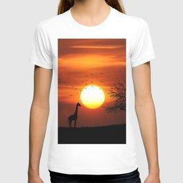 Giraffe sundown T-shirt