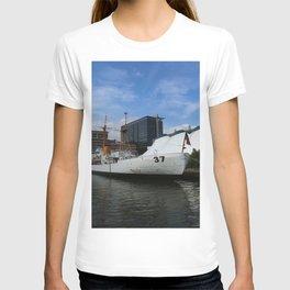 Coast Guard Cutter Taney Baltimore Harbor T-shirt