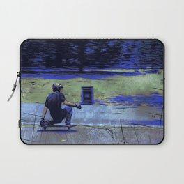 Just Cruisin'  - Skateboarder Laptop Sleeve