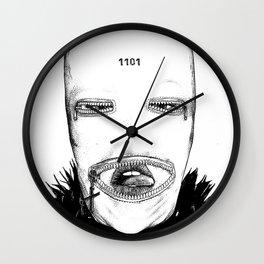 asc 424 - Le masque de la Toussaint (Trick or treat!) Wall Clock