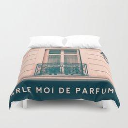 Paris, Parle moi de perfum Duvet Cover