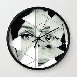 Frau mit Dreieck 3 Wall Clock