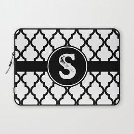 Black Monogram: Letter S Laptop Sleeve