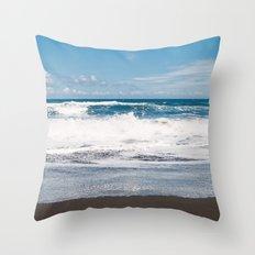 Rocking ocean Throw Pillow