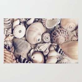 Vintage  Sea Shell Collection Coastal Style Rug