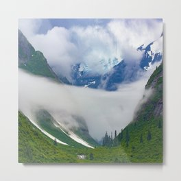 Alaska Breathtaking Mountain Valley With Spectacular Clouds Metal Print
