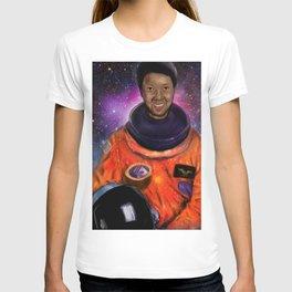Mae T-shirt
