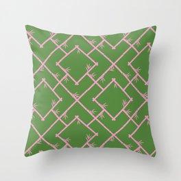 Bamboo Chinoiserie Lattice in Green + Pink Deko-Kissen