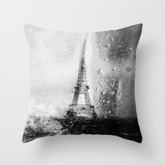Paris ne finit jamais Throw Pillow by mosriera
