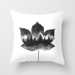 Leaf of the forest Throw Pillow