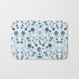Bumbling and Busy Bath Mat