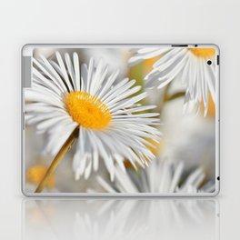 Marquerite white yelow 02 Laptop & iPad Skin