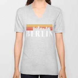 Berlin T-Shirt   80s Vintage Skyline Souvenir Gift Unisex V-Neck