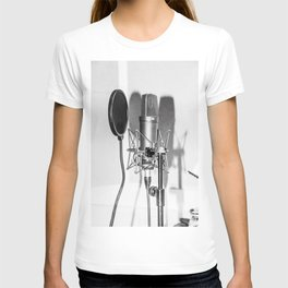 Microphone black and white T-shirt