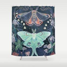 Luna Moth Duschvorhang