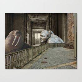 An Unexpected Friendship Canvas Print