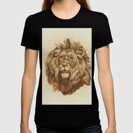 Wildlife Lion King Portrait Hand drawn vintage illustration T-shirt