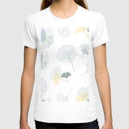 ginkgo biloba leaves pattern T-shirt