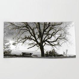 L'arbre de Gourdon Beach Towel