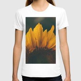 flower photography by eberhard grossgasteiger T-shirt