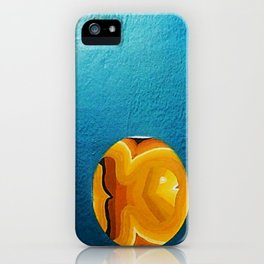 TRES PECES EN MEDIO iPhone Case