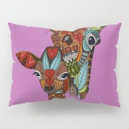 giraffe love orchid Pillow Sham