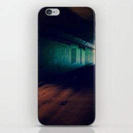 Tunnel - Retro iPhone Skin