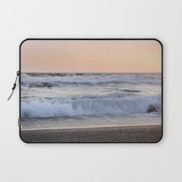 Looking at the sea.... Magnetic waves Laptop Sleeve