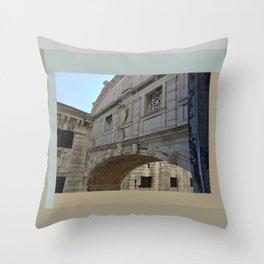 Bridge of Sighs, Doge's Palace, Venice, Italy Throw Pillow