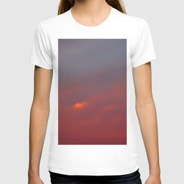 Red cloud shining at sunset T-shirt