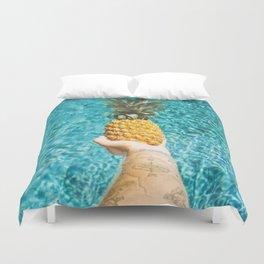 PINEAPPLE ON THE BEACH Duvet Cover
