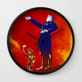IL DOUCHE TRUMPOLINI Wall Clock