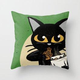 Taiyaki Throw Pillow
