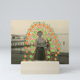 Venecia Como Llegar - Smiling To Tourists Mini Art Print