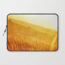 Through gold-woven dreams Laptop Sleeve