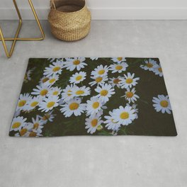 You loved me and you loved me not - White Daisies  Rug