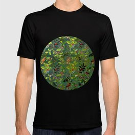 Christmas Pattern with Green Background T-shirt