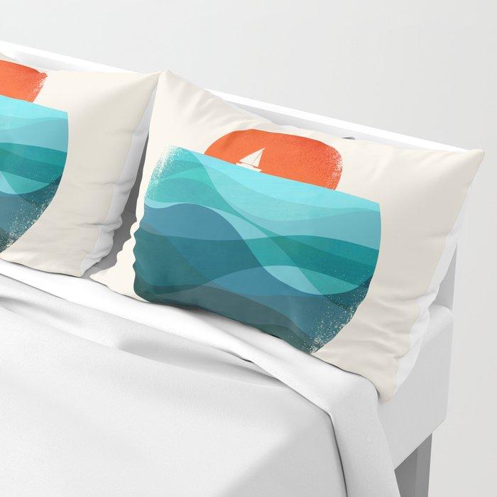 Deep blue ocean Pillow Sham