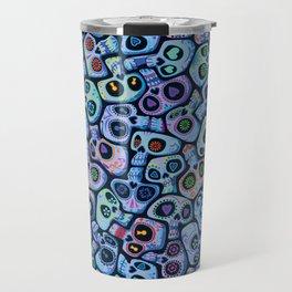 Calaveras del Dia de los Muertos azules. Travel Mug