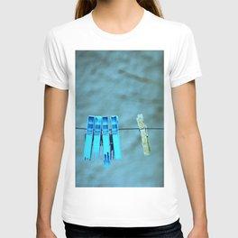 Clothesline Love T-shirt