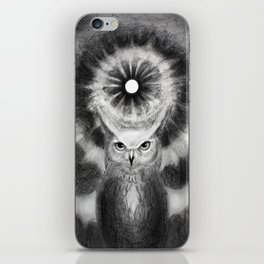 Owl in front of abyss of knowledge  iPhone Skin