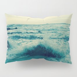 Waves crashing against rocks | Beach Pillow Sham