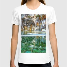 A Serene Chill - Hanging Lake Colorado Panorama T-shirt